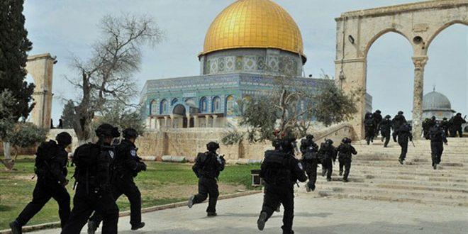 الاحتلال يمنع الفلسطينيين من أداء صلاة العيد في لأقصى