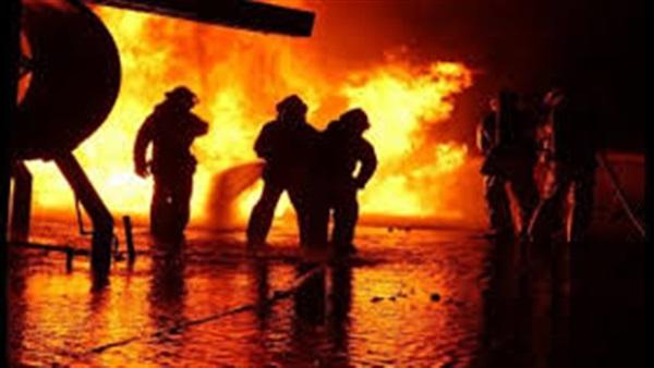 كاليفورنيا.. حريق ضخم يجبر الآلاف على ترك منازلهم