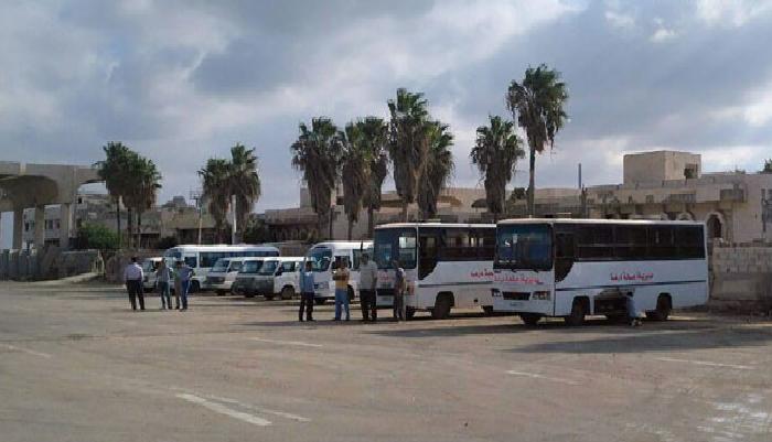 40 شاحنة عالقة عند معبر نصيب تدخل إلى الأردن