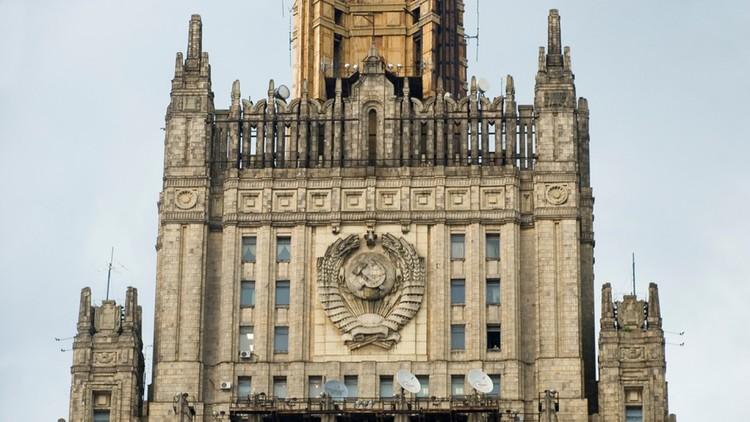 الخارجية الروسية: بعض الدول الغربية تسييس المساعدات الإنسانية إلى سورية