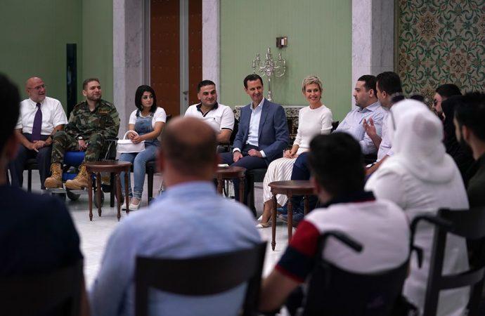 الرئيس الأسد والسيدة أسماء يستقبلان الجرحى الناجحون في شهادتي التعليم الأساسي والثانوي للعام الدراسي 2019