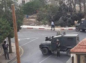 جرح فلسطينيين خلال اقتحام الاحتلال مدينة البيرة