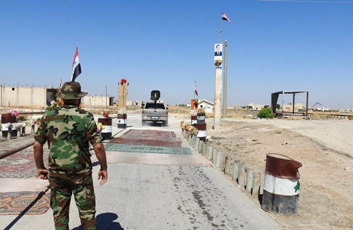 """""""النصرة"""" تمنع الأهالي الراغبين بالخروج من إدلب"""