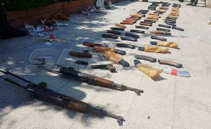 ريف حمص.. مصادرة أسلحة وذخائر من درعا إلى ريف إدلب