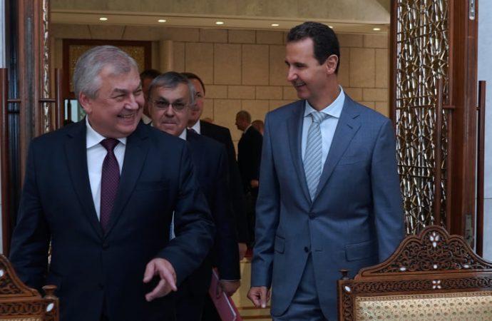 الرئيس الأسد يستعرض مع لافرنتييف تطورات الأوضاع في سورية