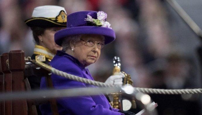 """""""إليزابيث"""" تكشف موعد تخليها عن العرش"""
