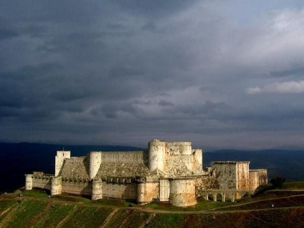 موقع تشيكي يتحدث عن تاريخ قلعة الحصن