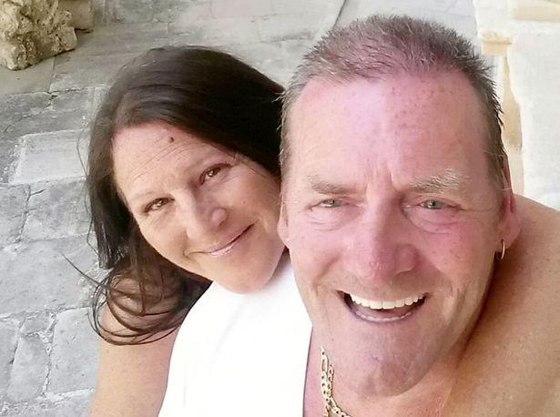 بعد ضياع دام 35 عاماً.. زوجان يعثران على صور زفافهما