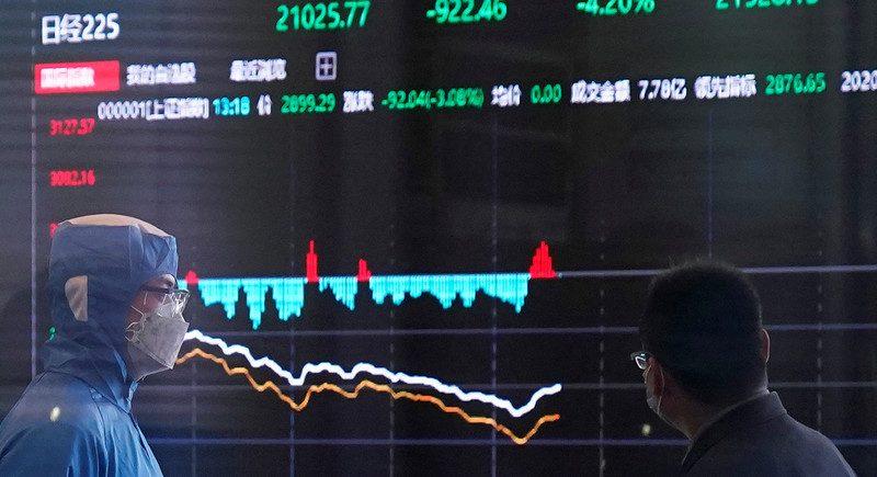 """أزمات """"كورونا"""".. عجز اقتصادي عالمي غير مسبوق"""