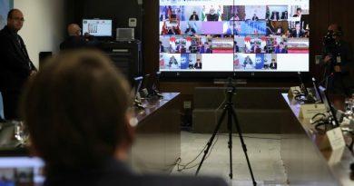 موسكو تدعو لوقف العقوبات التي تعرقل وصول الأدوية والأغذية إلى جميع الدول