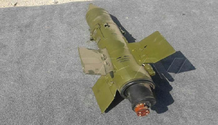 صواريخ وأجهزة بث فضائي من مخلفات الإرهابيين
