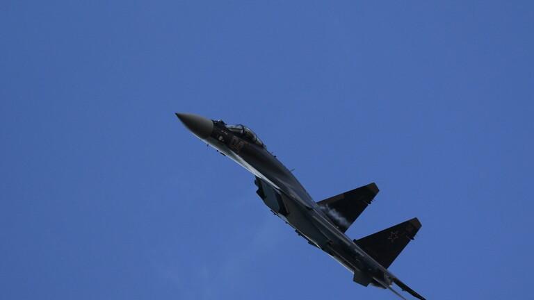 الدفاع الروسية: اعتراض طائرة أمريكية اقتربت من قاعدة حميميم