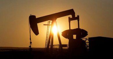 النفط يرتفع بعد خسائر فادحة