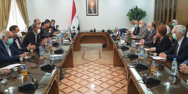 دمشق وطهران تتباحثان لتعزيز العلاقات العلمية والبحثية والتعاون الاقتصادي