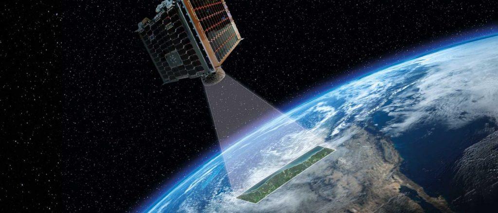 قمر اصطناعي لرصد الأرض
