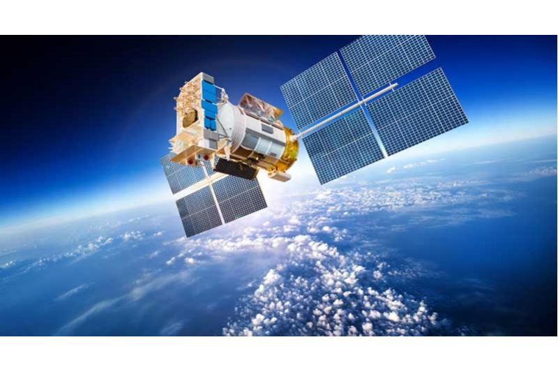 قمرين صناعيين الى الفضاء للتجارب التكنولوجيا