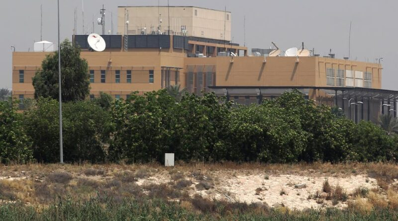 في بغداد.. سقوط صاروخين قرب السفارة الأميركية