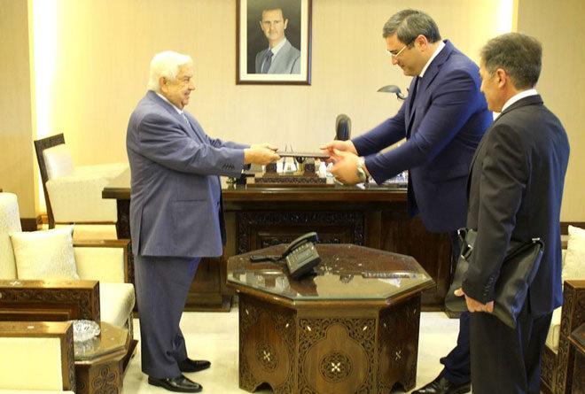 المعلم يتسلم أوراق اعتماد سفير أبخازيا