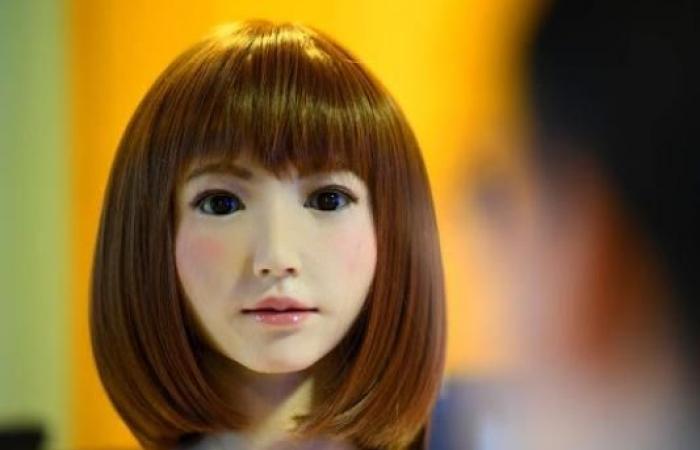 روبوت أنثى يؤدي دور البطولة في فيلم سينمائي ضخم