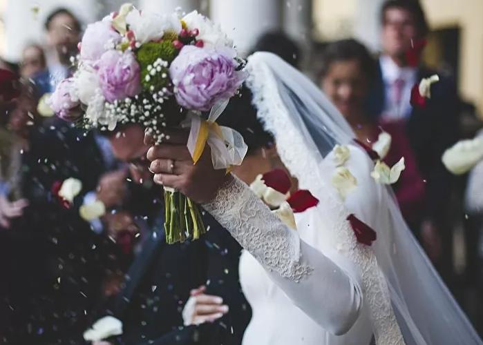 بلجيكا.. الرقص ممنوع في حفلات الزفاف