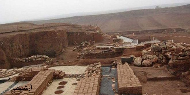 """""""النصرة"""" الإرهابي يخرب ويسرق الآثار بموقع تل غنام في جسر الشغور"""