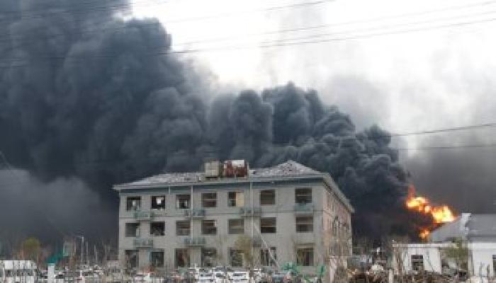 انفجار مصنع للكيماويات وسط الصين
