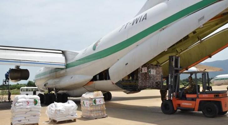 4 طائرات وباخرة مساعدات إنسانية من الجزائر إلى لبنان