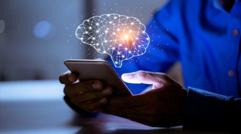 ماذا يفعل إدمان الهواتف الذكية بالدماغ؟