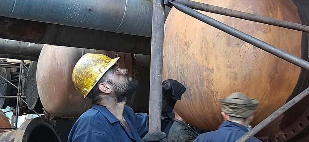 الرئيس الأسد يكافئ مهندسي وفنيي وزارة النفط الذين أجروا أعمال العمرة في مصفاة بانياس بخبرات محلية