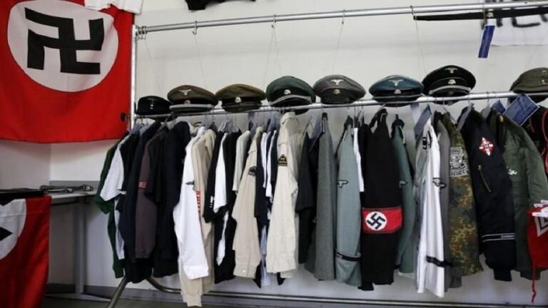 لصوص يسرقون أزياء نادرة للنازيين وأسلحة من متحفين في هولندا