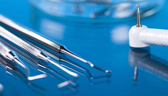 أدوات طب الأسنان