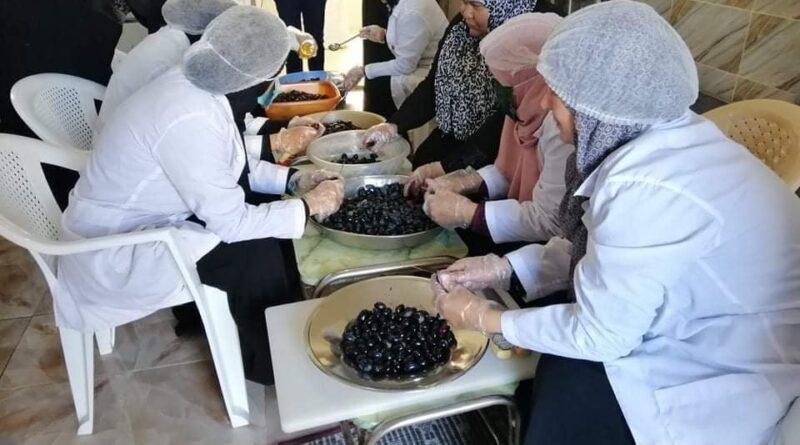 وحدة التصنيع الغذائي توسع منتجاتها لتدخل السوق المحلية