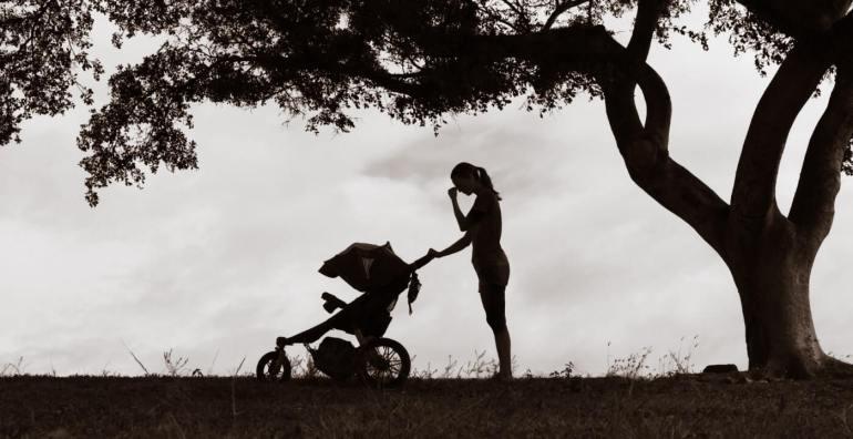 اكتئاب ما بعد الولادة.. الجانب الأخر للأمومة