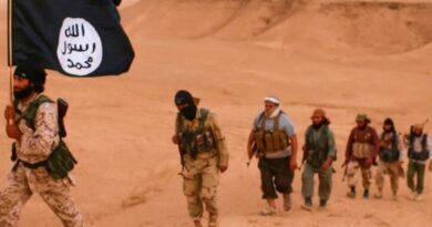 """من يقف خلف عودة نشاط """"داعش"""" الارهابي في سورية؟"""