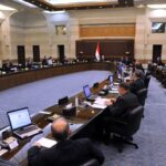 مجلس الوزراء: تمديد قرار توقيف العمل أو تخفيض نسبة دوام العاملين