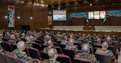 الرئيس الأسد يزور الأكاديمية العسكرية العليا بدمشق ويلتقي خريجي الدورة السادسة والثلاثين (قيادة وأركان)
